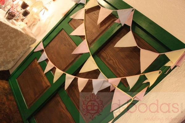 detalle decoración banderines boda vintage, d-bodas.com wedding planners