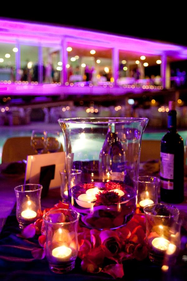 Centro de mesa velas violeta, d-bodas.com wedding planners
