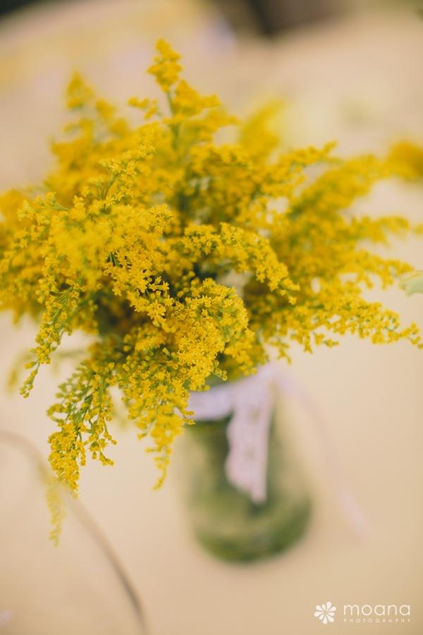detalle decoración boda amarillo